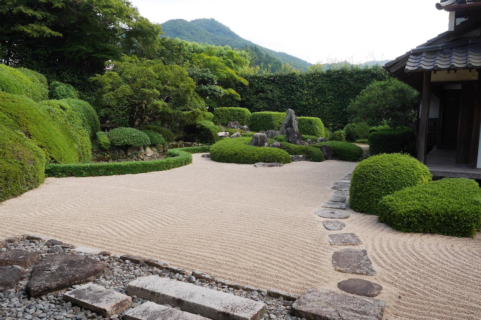 天柱山 頼久寺の枯山水庭園