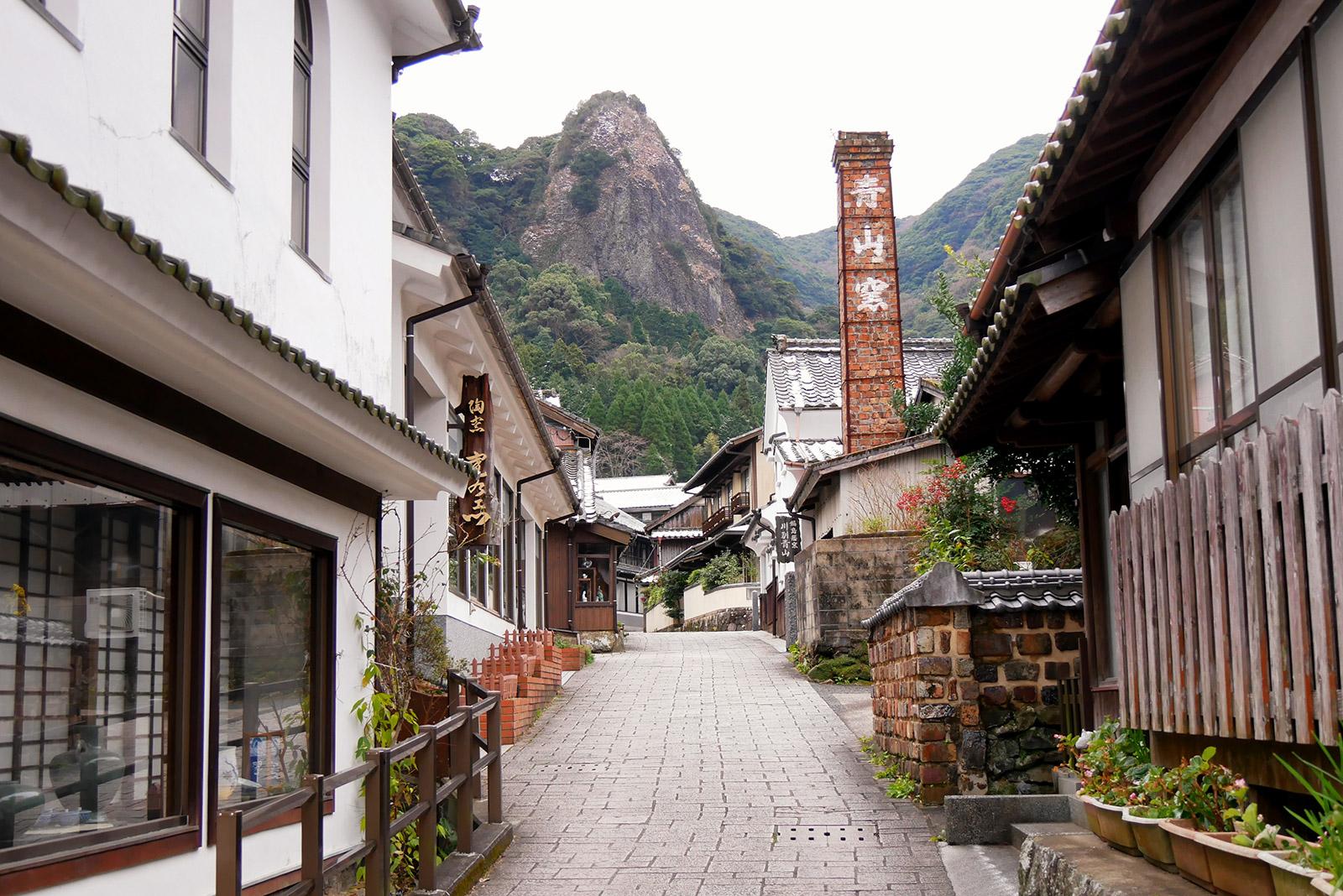 伊万里大川内山 秘窯の里を訪ねる