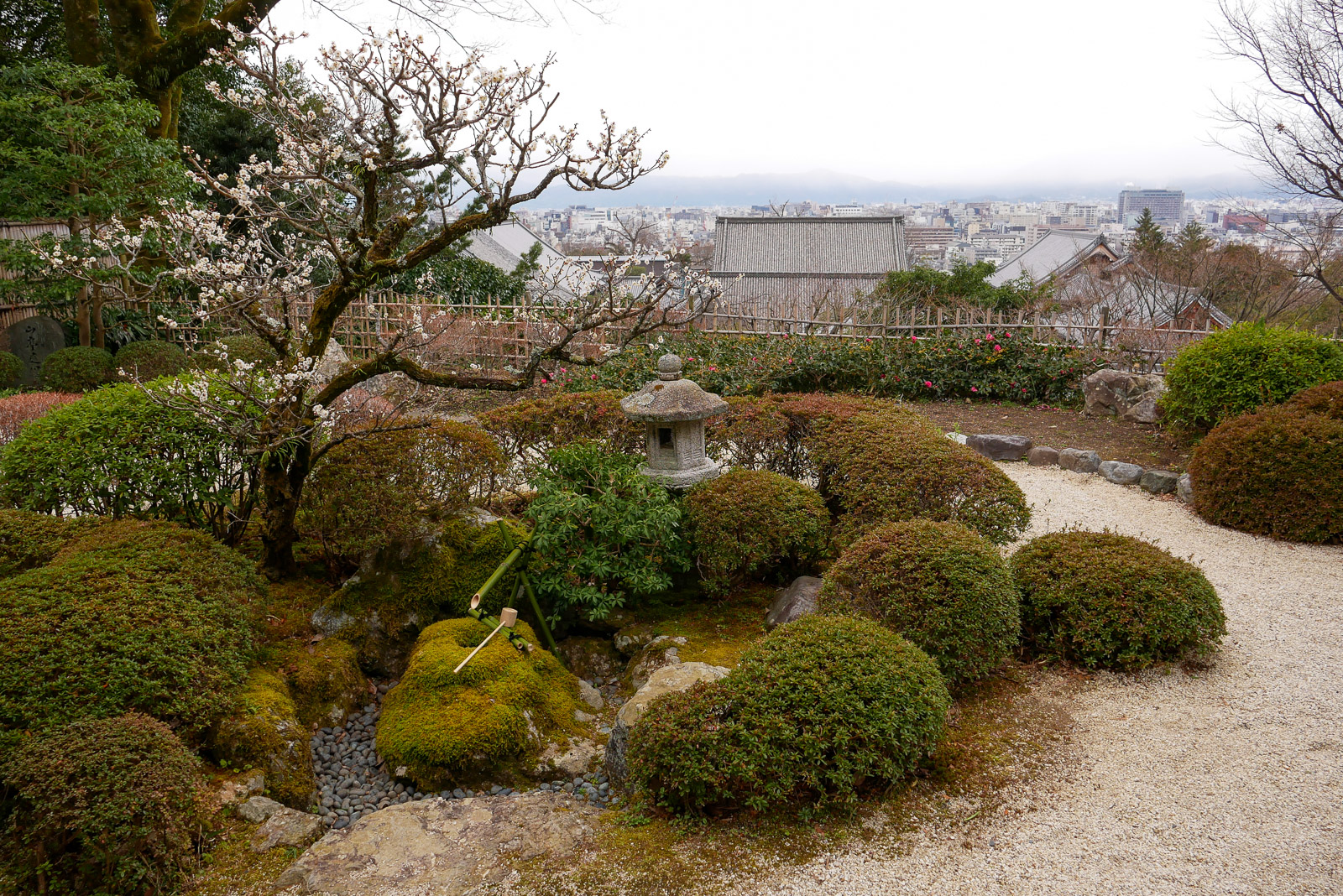 知恩院庭園と常在光院